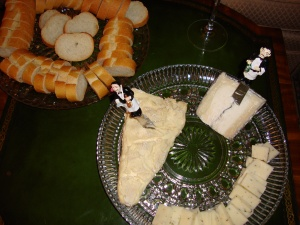 Cheese Plate with Baguette
