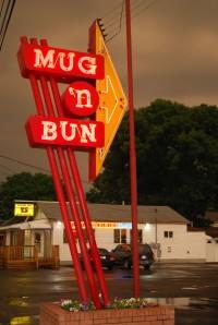 Mug 'n Bun Drive-In