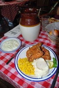 Fried Chicken at Nashville House